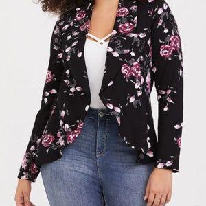 Jackets & Blazers - TORRID BLACK FLORAL PONTE BLAZER NWT 6